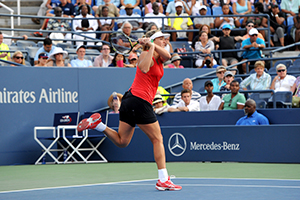 August 31, 2015 - Coco Vandeweghe in action in the Women's Singles - Round 1 during the 2015 US Open at the USTA Billie Jean King National Tennis Center in Flushing, NY. (USTA/Garrett Ellwood)
